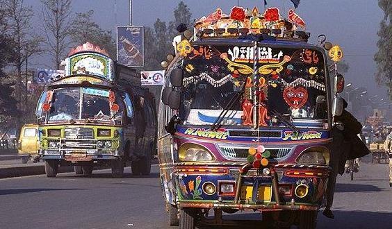 Customs intelligence detains 5 busses full of illegal goods