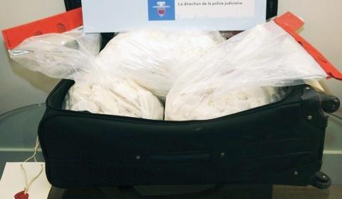 Dubai Police foil bids to smuggle 5kg cocaine