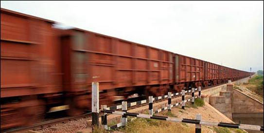 Karachi business community suggests railway track for ATT