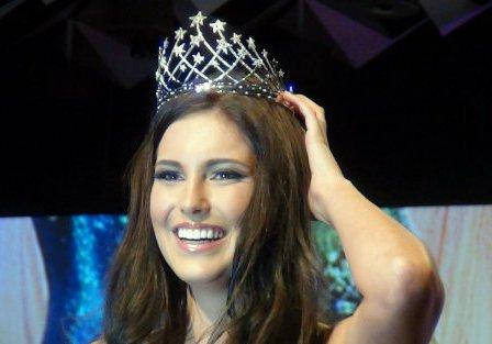 US Customs frisk Miss Universe's frock