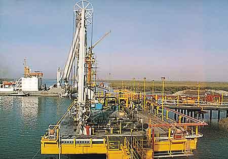Port Qasim handles 83,619 tonnes of cargo in 24 hours