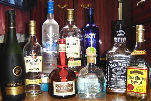 1000 smuggled, dumped bottles of liquor recovered