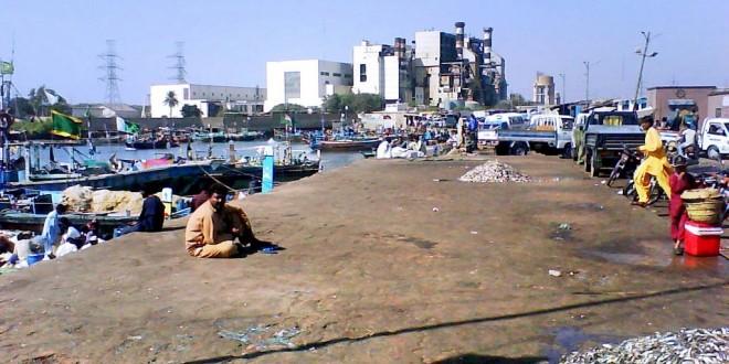 Guard shoots, injures Karachi port worker