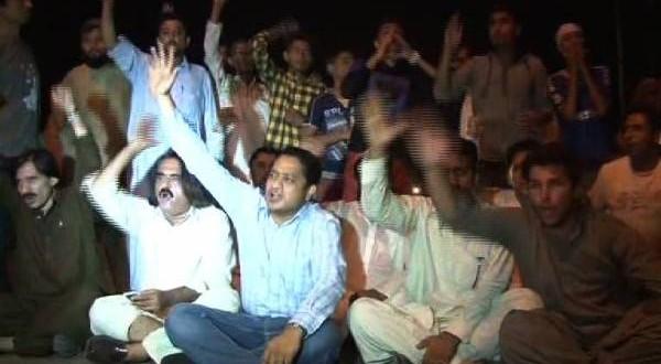 Trade union chief announces sit-ins against Imran, Qadri