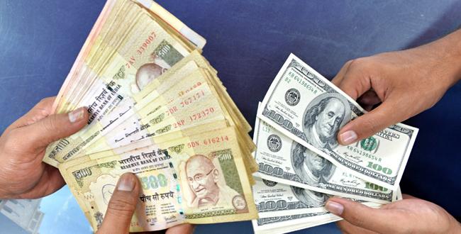 Pak rupee remains steady vs dollar at 101.6 in interbank