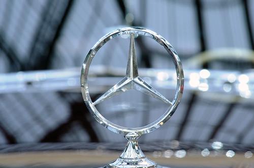 Faisalabad I&I impounds non customs paid Mercedes Benz