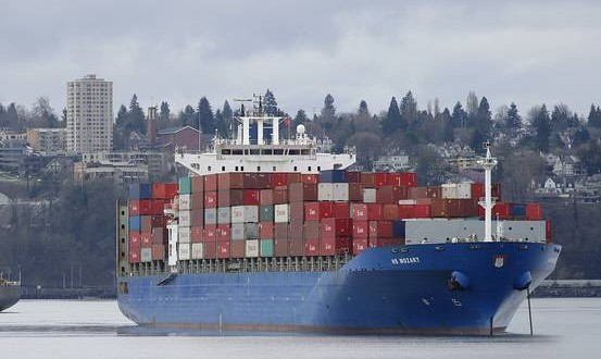 EU parliamentarians vote to revise seal import ban