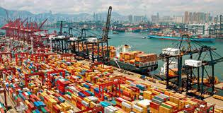 Egypt closes four ports in Suez due to sandstorm