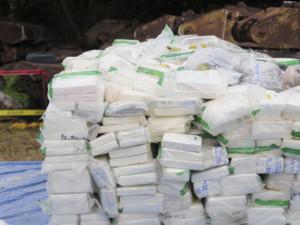 Police arrest woman in heroin smuggling case