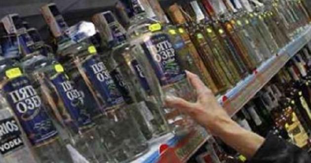 India Customs seizes 38 cartons of smuggled liquor, 6 arrested
