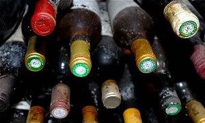 Faisalabad Customs recovers liquor from passenger