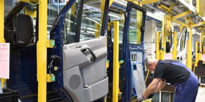 Japan's industrial production increase 3.7% in Jan