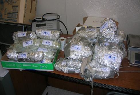 US Customs seizes drugs, nabs culprits
