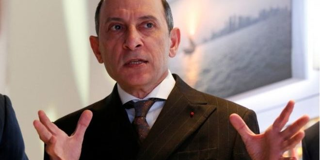 Qatar Airways boss in 'heartfelt apology' for sexist remark
