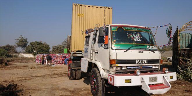 Customs ASO foils bid to smuggle foreign origin fabric worth Rs10.5m to Karachi