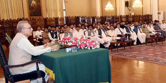 Pakistan seeks further cooperation with IDB: President Alvi