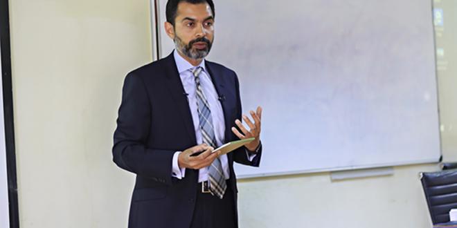 Widening tax base, facilitating exporters key for economic growth: Reza Baqir