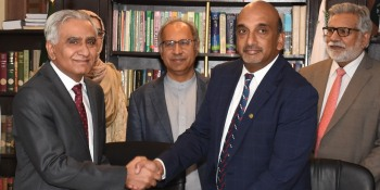 Pakistan & World Bank ink accord worth $918m