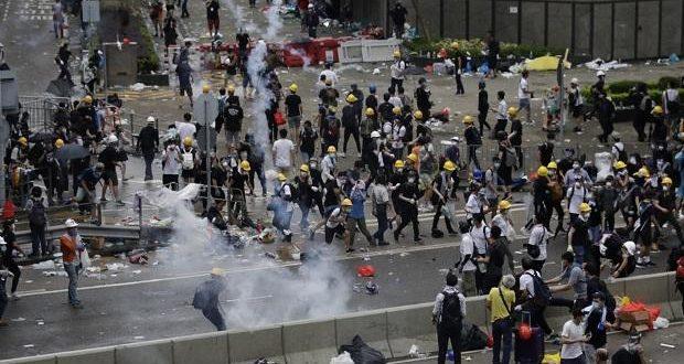 Hong Kong millionaires moving cash to Singapore as political crisis lingers