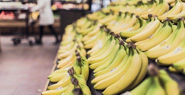 Taiwan's bananas to be served at Japanese schools