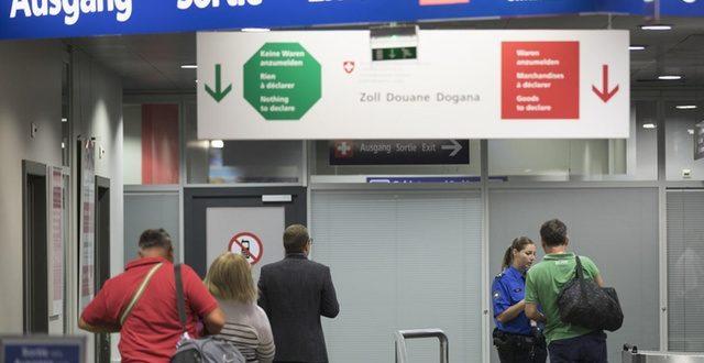 Cross-border shoppers declare goods via Swiss customs app