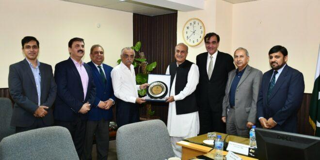 FBR chairman appreciates services of Member Admin Shad Muhammad