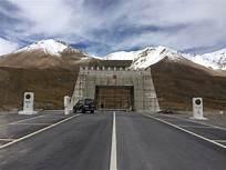 Razak to discuss opening of Khunjarab border with China in COVID-19
